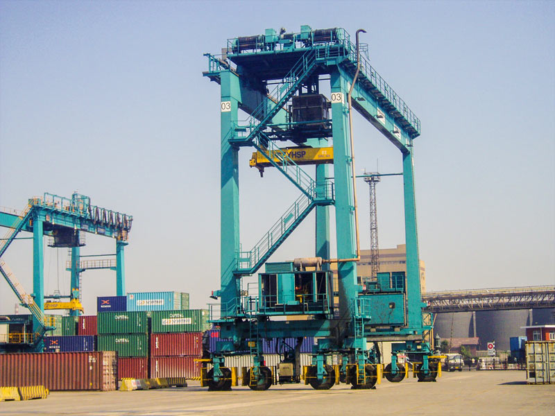 Tyred Container Crane